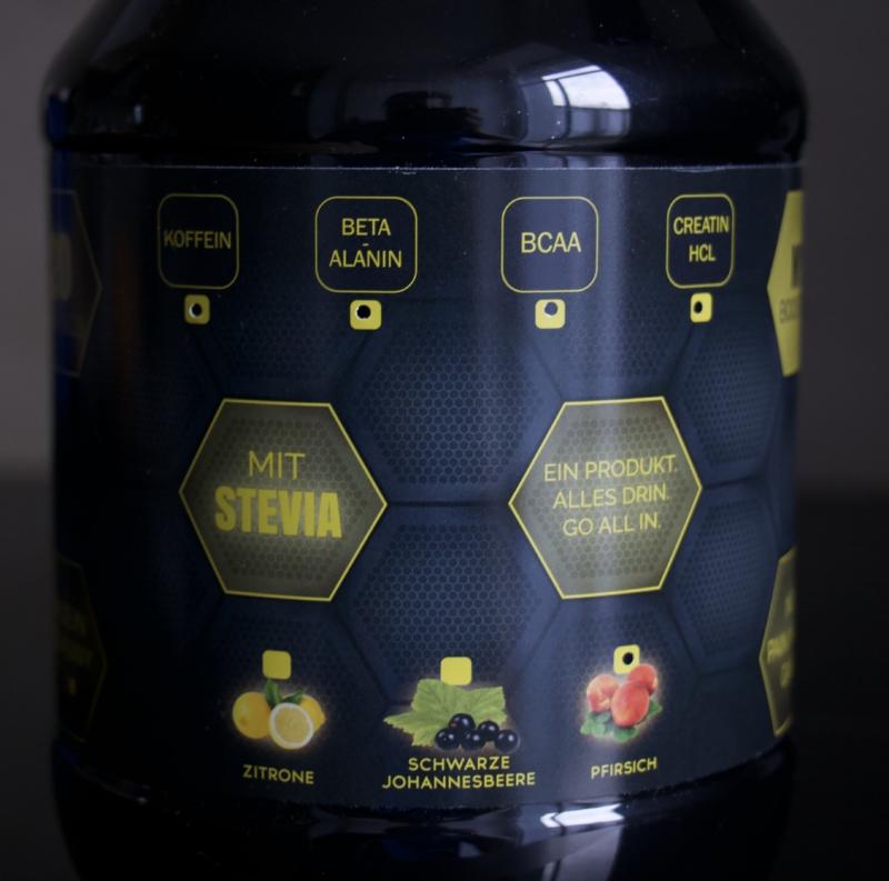 Die Rückseite der Verpackung zeigt an, welche Inhaltsstoffe und welcher Geschmack ausgewählt wurden